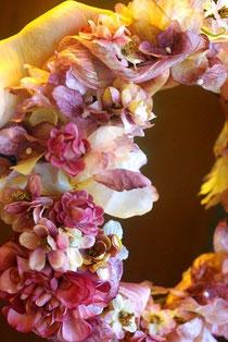 明日のレッスン「ブルーミングアート・花かんむり」のお見本です