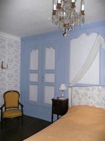 grande armoire chambre hôtes crocq