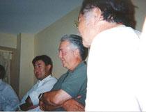 IFLAが縁で2000年の淡路園芸博も手伝い。写真はDon Baron氏から「アメリカンジョーク」を習っているところ
