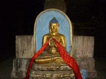 説法印の仏陀