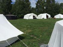 Die Zelte stehen
