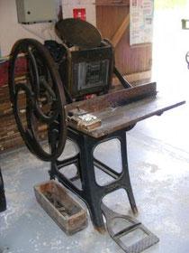 """Presse à imprimer du début du XXe siècle, dite """"pédale"""""""