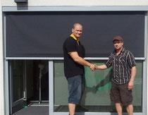 Das Bild zeigt den Teilhaber Fa. Sunntec Christian Nergenau und den ersten Vorsitzenden des TV Geschers Dirk Saalmann