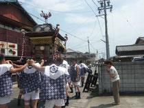射和祗園祭りの御神輿。