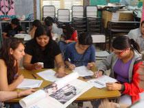Alumnos trabajando durante el taller