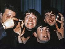 Die Beatles mit Preludin-Röhrchen