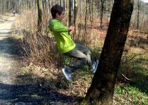 Martin rennt die Bäume rauf, März 2014