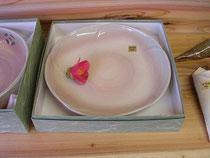 椿の花釉を使った大皿