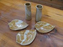 椿の種子釉の花器と小皿