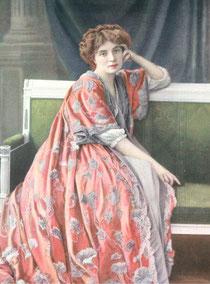 Simone Le Bargy dans le rôle de Marie Louise Voysin de Le voleur, pièce qu'elle créa au Théâtre de la Renaissance en 1907 (extrait de Le Théâtre - janvier 1907 - N°194)