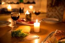 Frühstück oder Candlelight-Dinner- alles erforderliche finden Sie im Frischemarkt direkt gegenüber
