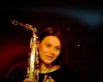 Kristina Mohr verliebt ins Saxophon