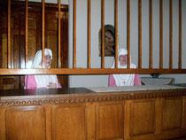 Die Schwestern bei den Besuchszeiten