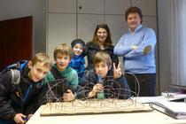 Herr Andreas Wild ( 1.v.re ) , und das LoopING Team im Münchner Büro zu Gast