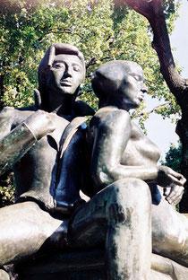 Bettina und Achim von Arnim auf dem gleichnamigen Platz