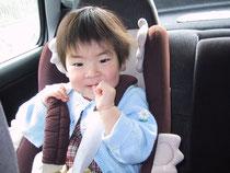 娘の小さい頃の写真です。今は小学校の五年生です。娘の名前と私の名前の一文字をとり、会社名としました。