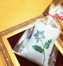 香り袋 プレゼント たるみ改善専門サロン 豊橋 エステ 整体 ほうれい線