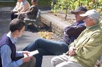 Die Senioren vor der Wahl: Skeptisch aber pflichtbewusst. Foto: Daniel Weber