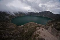 Un cratère & l'eau turquoise