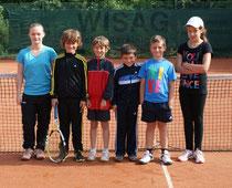 Die Bambinis des TC Rot-Weiss Dillingen spielten am Sonntag ein enges Match