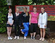Die jungen Damen der dritten Mannschaft, die sicherlich Dank auch des Trainings ihrer Trainerin Elisa Kayser (rechts), die Zukunft in der Damenmannschaft innehaben, mussten bis dato noch ihren Gegnerinnnen den Vortritt lassen.