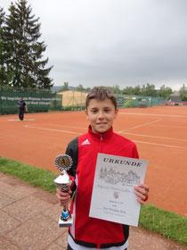 Urkunde und Pokal zu Ehren des Regionalmeisters der Junioren U14 - Joel Philippe Eich