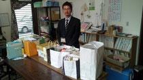 鹿沼社協さんで実施したフードドライブで集まった食品をもってきていただきました。