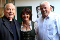 Pfarrer Josef Suntinger, Andrea Schmidl und Karl Kogler sen.