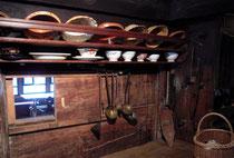 Detail einer historischen Kueche im Bauernmuseum Ins