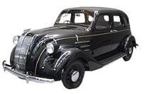 画像:初の国産車 トヨタのAA型1936年