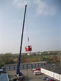 Aufstieg zum Korb über 16m Strickleiter
