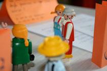 Aufstellung mit Playmobilfiguren