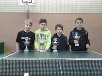 Luca, Robin, Bastian, Gordian und Julian sicherten sich den Titel der Bezirksmannschaftsmeister der B-Schüler