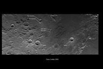 Mosaico lunar centrado en Rima Hyginus con ID