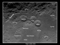 Tercia de cráteres lunares con ID
