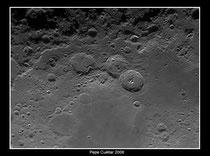 Tercia de cráteres lunares