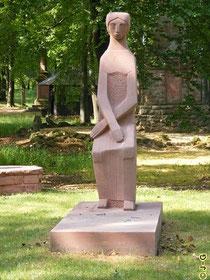 schlichtes Denkmal für die Opfer des 2. Weltkrieges