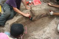 Arqueólogos trabajando en la Isla de Corisco/ © CSIC.