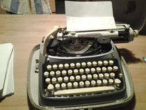 Meine gute alte Schreibmaschine... noch ganz ohne Strom!