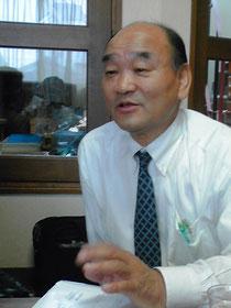 熱く語る「椿き家」社長の折笠廣司さん