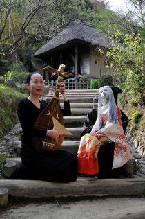 AKIの琵琶語りと人形女優*咲姫(SAKI)の共演