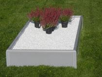 provisorische Grabeinfassung aus Recycling- Kunststoff