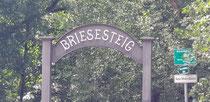 Einfahrt zum Briesesteig in Birkenweder
