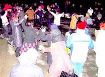 La sardane dansée au cap de Creus le jour de l'AN