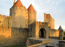 Porte Narbonnaise, der Haupteingang