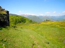 vue sur la montagne ariégeoise depuis l'église de Lujat au-dessus d'Ornolac à 1000m d'altitude
