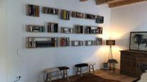 Bücherwand aus Eichenholz