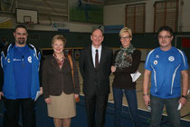 Markus Schur, Bürgermeisterin Monika Budtke, OB Bernd Tischler, Frau Dr. Gertrud Metzelder und Marco Langnickel