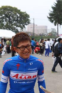 自転車ロード競技選手 中島康晴