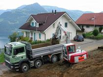 Aushub Transport mit 4 Achs-Kipper